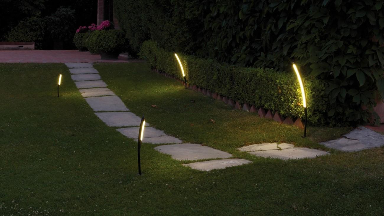 Pannelli fotovoltaici da giardino idee green