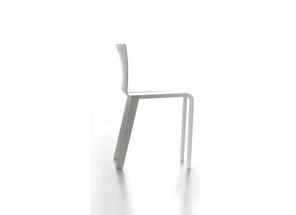 PLASTIC BASIC CHAIR